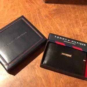 Tommy Hilfiger Black men's leather wallet